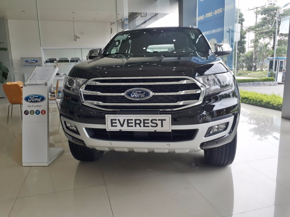 Ford Everest bản Turbo 1 cầu