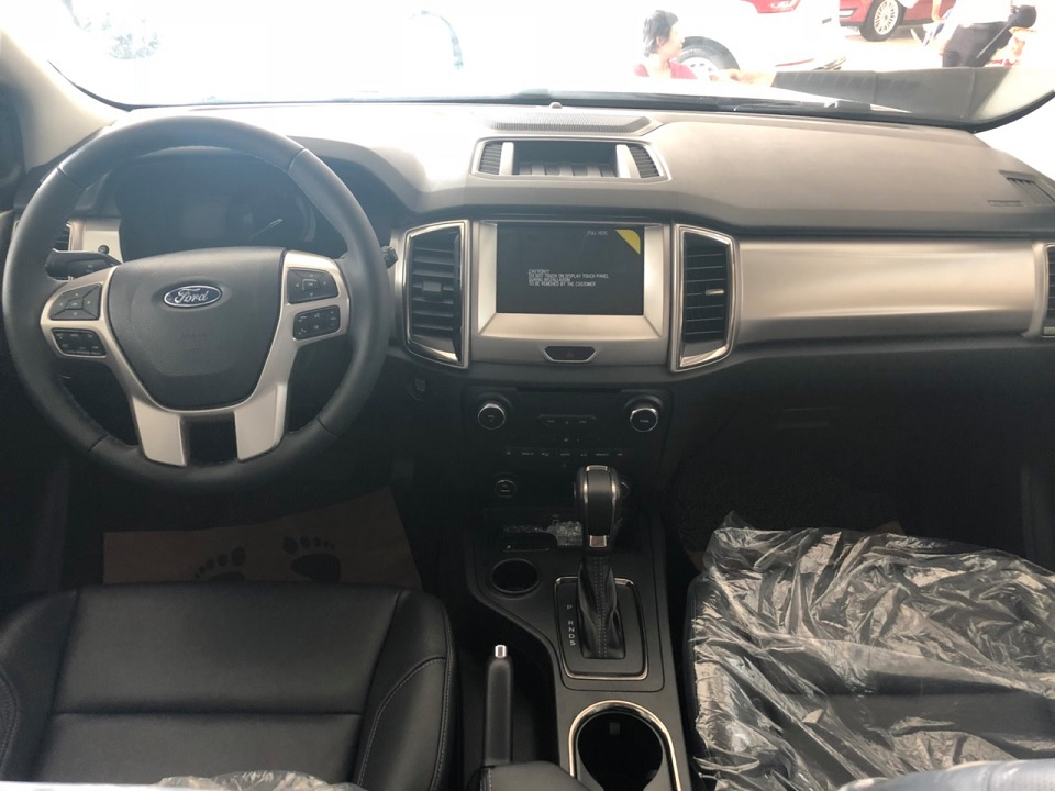 Nội thất Ford Everest Trend 2.0L AT 4×2